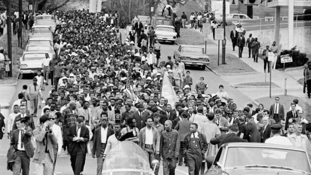 https://c2changemagazine.com/wp-content/uploads/2020/06/Martin-Luther-King-Jr.-March_Montgomery-Alabama_March-17-1965-640x360.jpeg